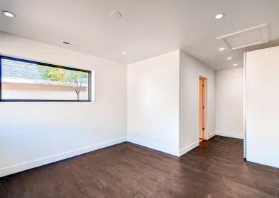 1257-raleigh-st-denver-co-large-013-16-master-bedroom-1499x1000-72dpi
