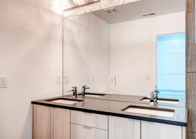 1257-raleigh-st-denver-co-large-016-15-master-bathroom-1500x997-72dpi