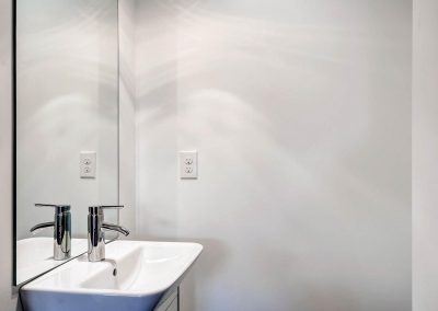 1257-raleigh-st-denver-co-large-017-10-bathroom-1500x999-72dpi