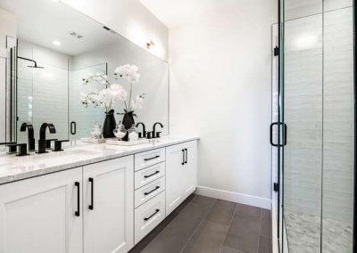 2844 Champa St Denver CO 80205-small-024-016-2nd Floor Master Bathroom-666x444-72dpi