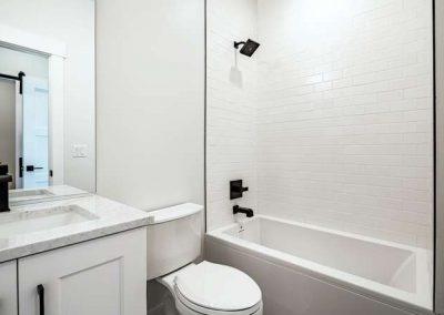 2844 Champa St Denver CO 80205-small-028-009-2nd Floor Bathroom-666x444-72dpi