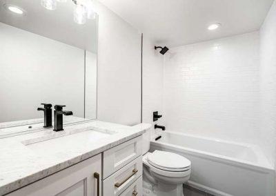 2844 Champa St Denver CO 80205-small-031-012-Lower Level Bathroom-666x444-72dpi
