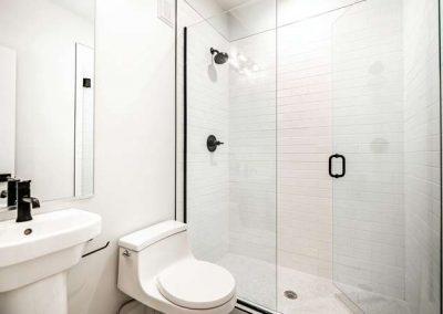 2846 Champa St Denver CO 80205-small-029-021-Lower Level Bathroom-666x444-72dpi