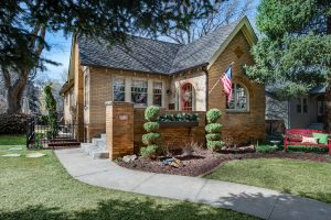 """<span style=""""color:red;"""">SOLD</span> 983 S Josephine St, Bonnie Brae"""