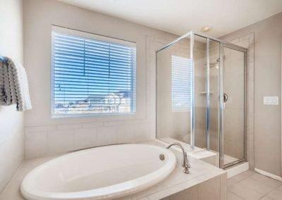 22969 E Saratoga Pl Aurora CO-small-027-097-2nd Floor Master Bathroom -666x444-72dpi