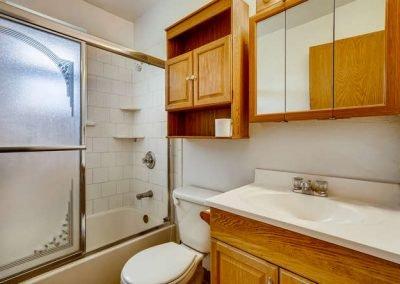 90509030 N Elm Ct Denver CO-small-018-018-Master Bathroom-666x444-72dpi