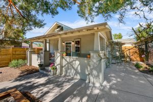 """<span style=""""color:red;"""">PENDING</span> 4733 Clay St, Sunnyside"""