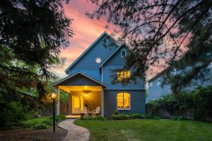 """<span style=""""color:red;"""">PENDING</span> 2315 S Cook St, Observatory Park"""