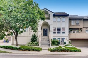 """<span style=""""color:red;"""">PENDING</span> 3740 E 3rd Ave, Cherry Creek North"""